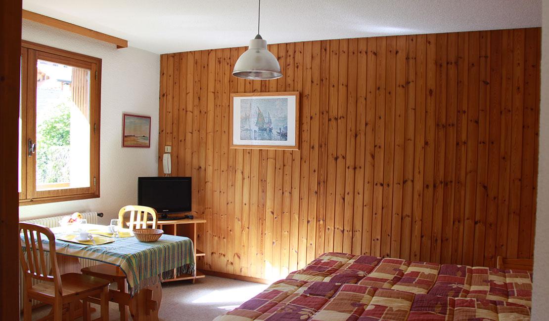 studios n 3 4 de 27 m fen tre exposition est ou ouest. Black Bedroom Furniture Sets. Home Design Ideas